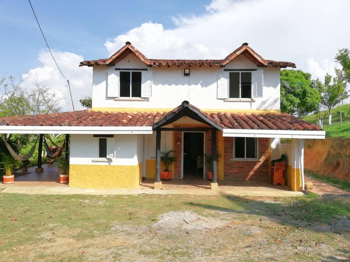 casa con hermosa vista via barichara