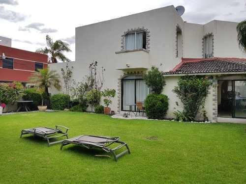 casa con jardín grande en camino real a cholula por zavaleta
