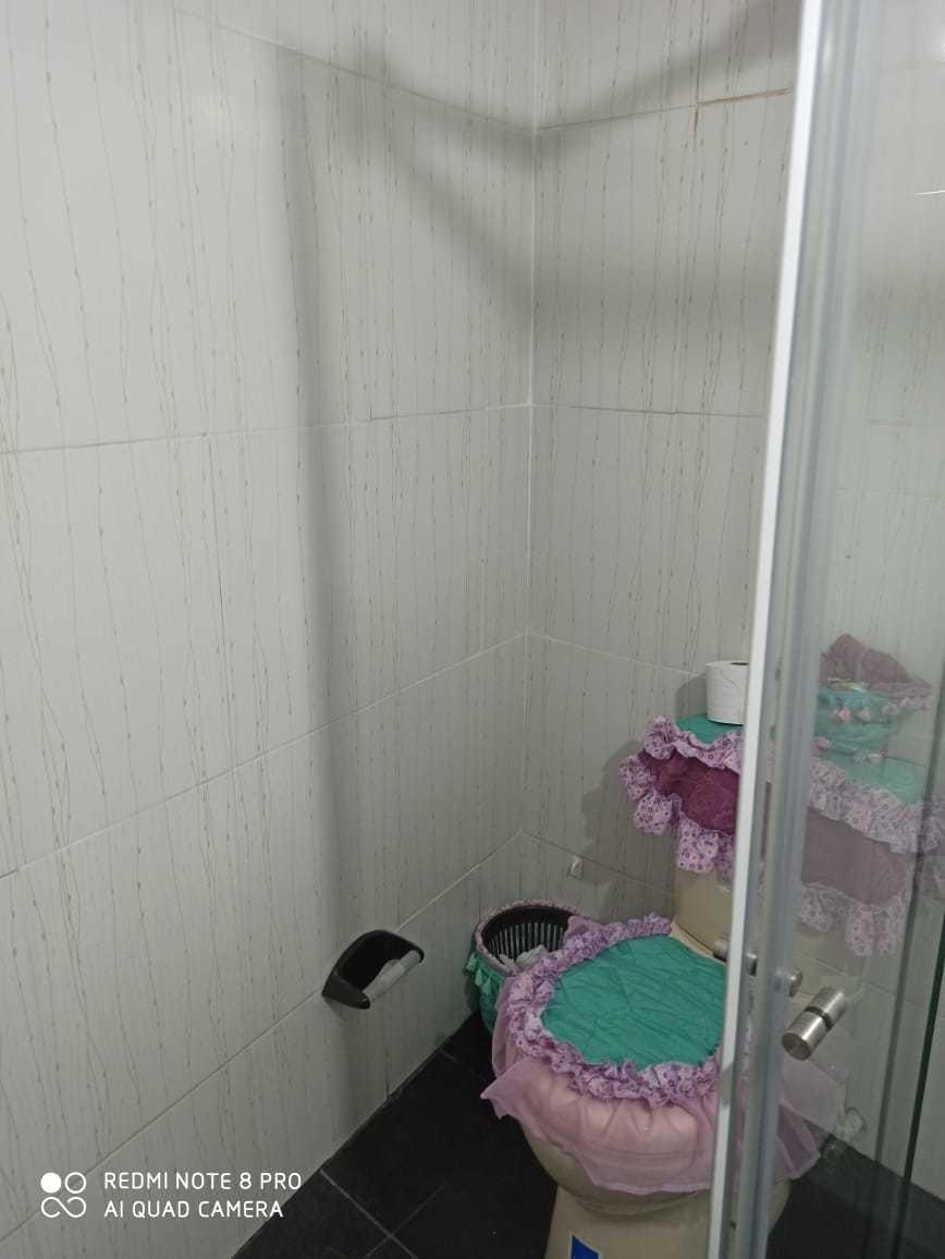 casa con licorera, 4 habitaciones todas con closed, 2 baños