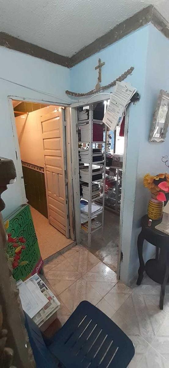 casa con local comercial 2 habitación 2 baños