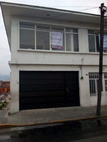 casa con local comercial frente a teleférico de orizaba