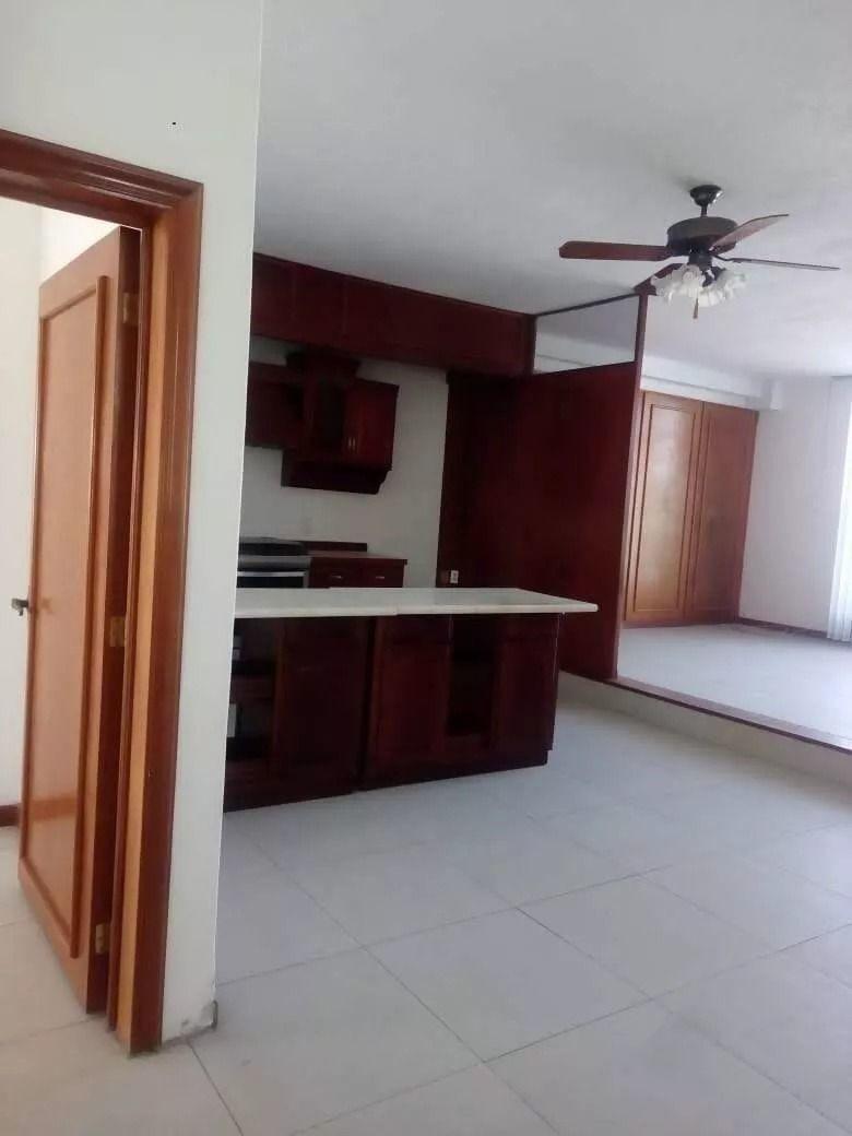 casa con local comercial - zona alameda, queretaro. ccr191230-jg
