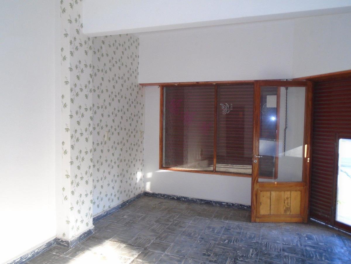 casa con local estilo marplatense