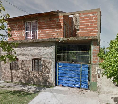 casa con local y departamento, ideal dos familias. quilmes