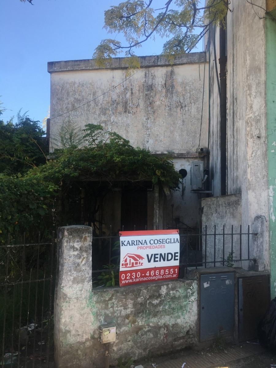 casa con locales en venta . jose c paz