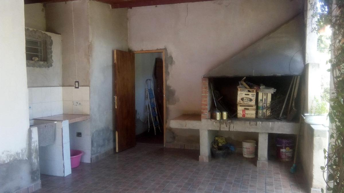 casa con lote de 1000m2 en entrada a santa rosa de conlara