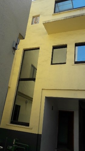 casa con oficinas y nave industrial 2 pisos en venta