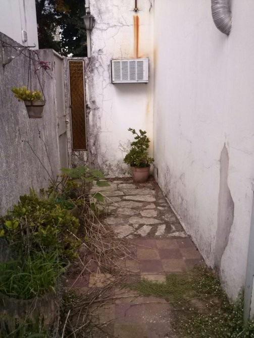 casa con patio interno en lomas de zamora oeste