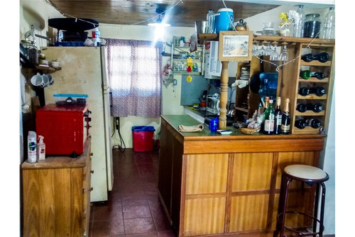casa con pileta 3 ambientes. oportunidad