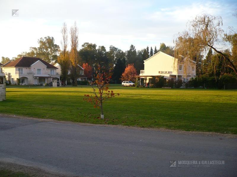 casa con pileta - barrio privado las margaritas - pilar