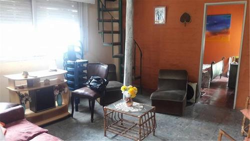 casa con pileta en excelente zona residencial,