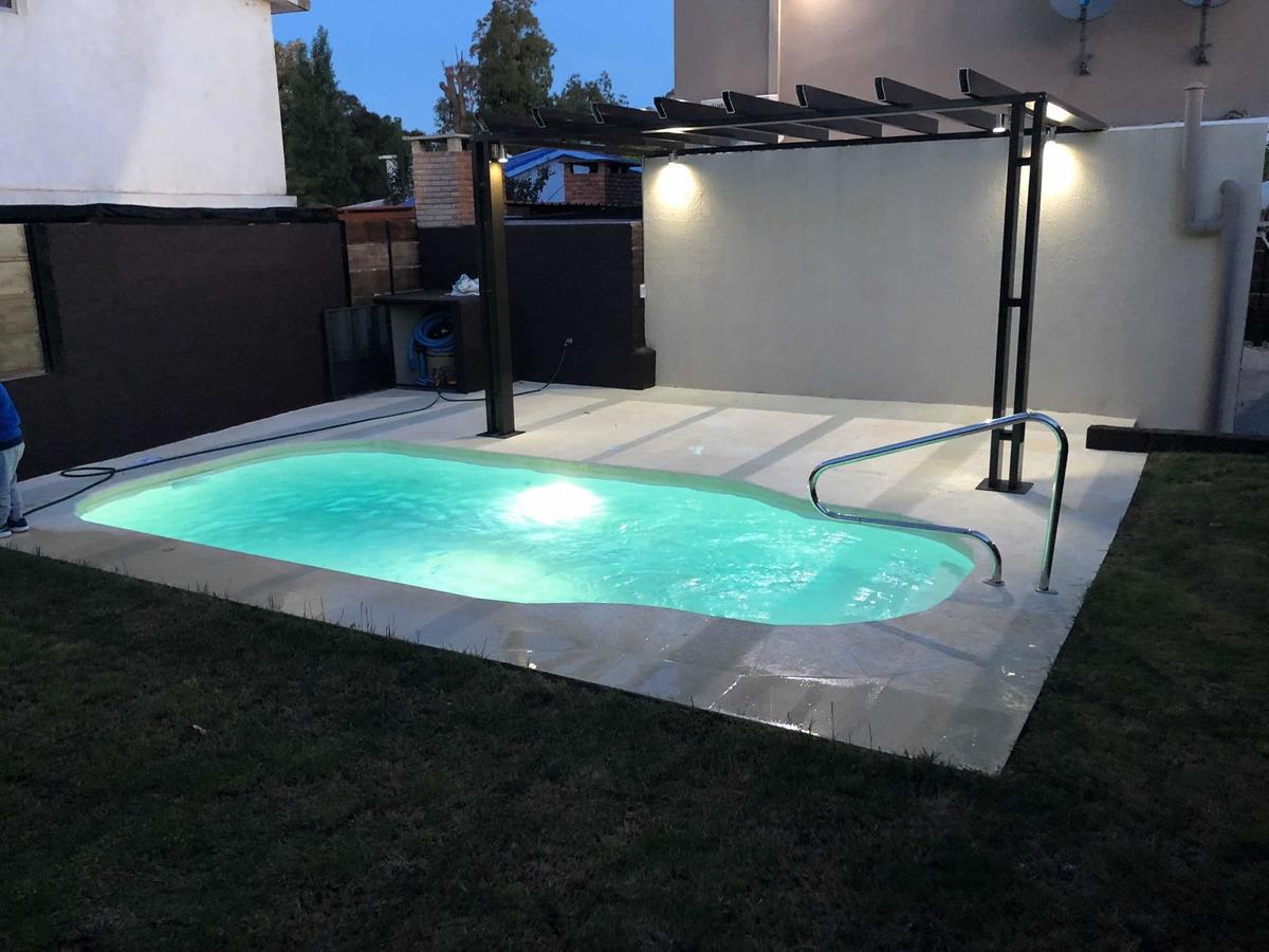 casa con piscina climatizada playa grande piriapolis