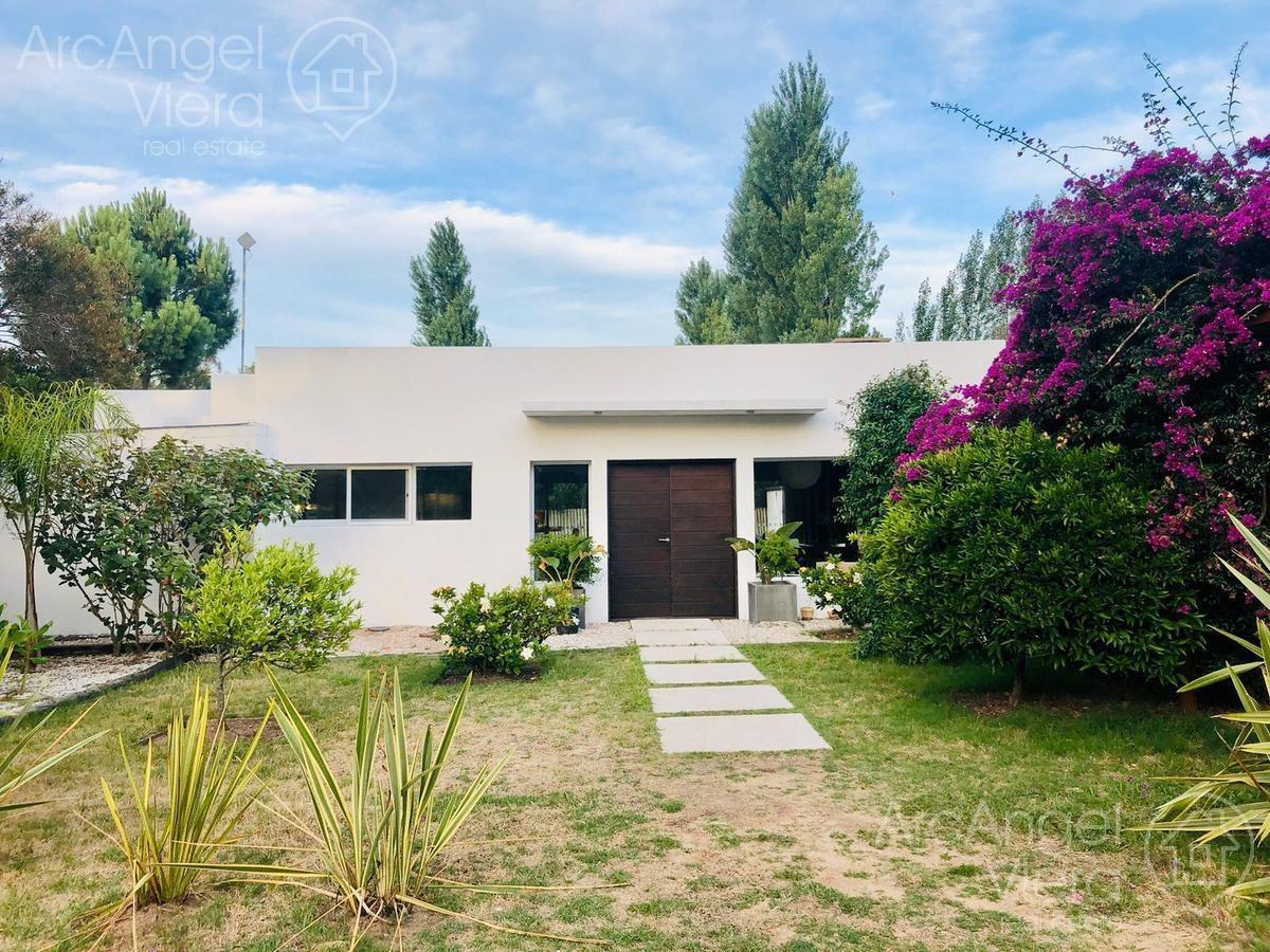 casa con piscina en alquiler anual en barrio privado la residence