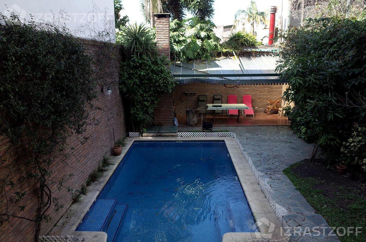casa con piscina en saavedra.