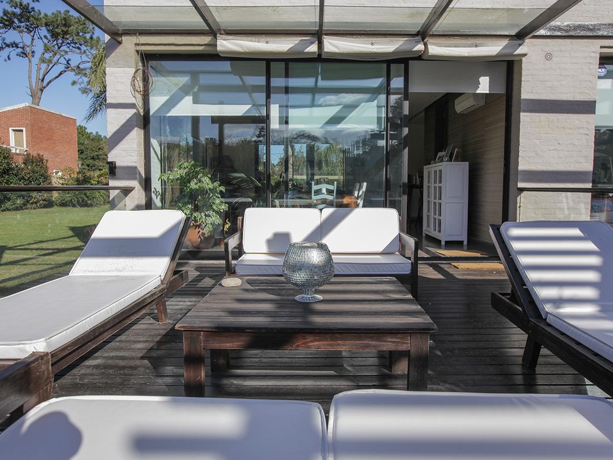 casa con piscina en venta en el pinar ref.: 4942