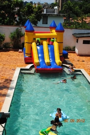 casa con piscina .- eventos infantiles