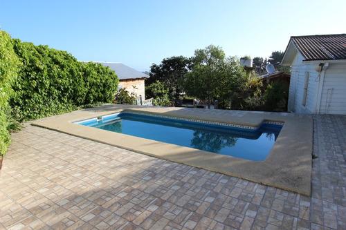 casa con piscina privada 8 - 10 personas el quisco