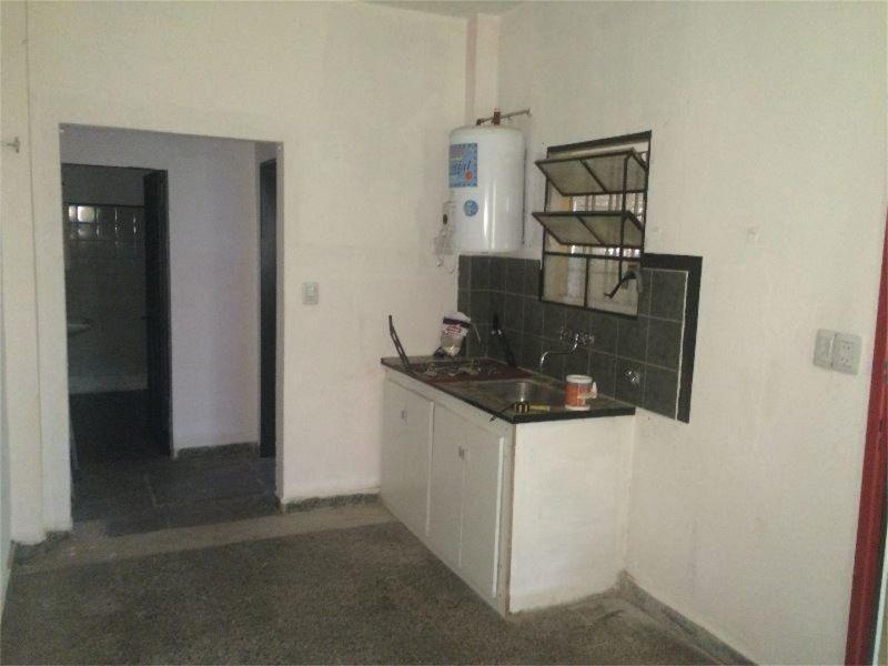 casa con piscina y departamento 3 ambientes en block