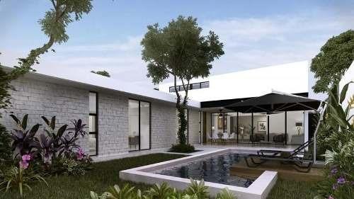 casa con piscina y jardín en conkal