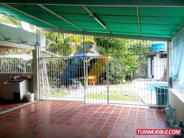 casa con piscina y  terreno autosustentable  ejido manzano