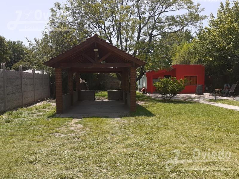 casa con quincho y pileta mucho verde zona tranquila**