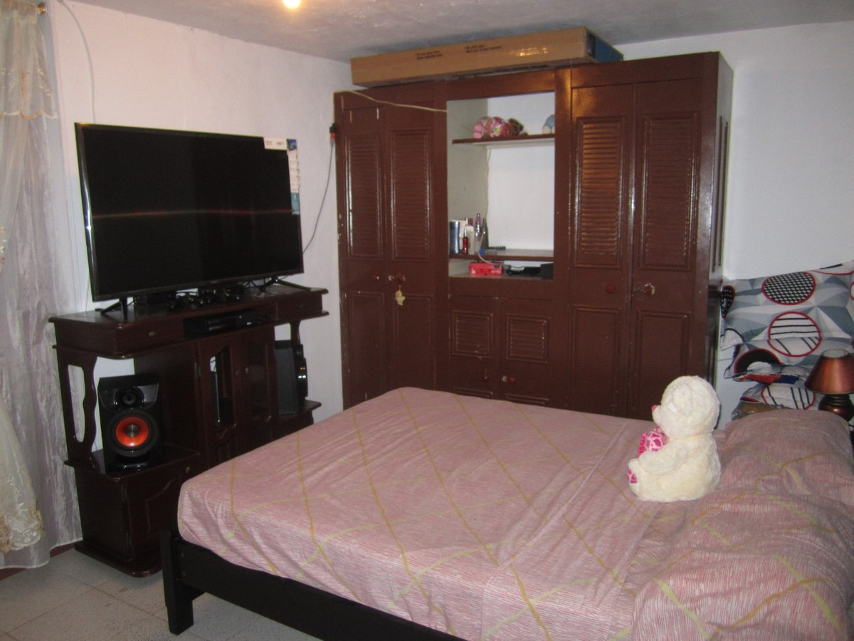 casa con rentabilidad de 4 apartamentos y 1 apartaestudio