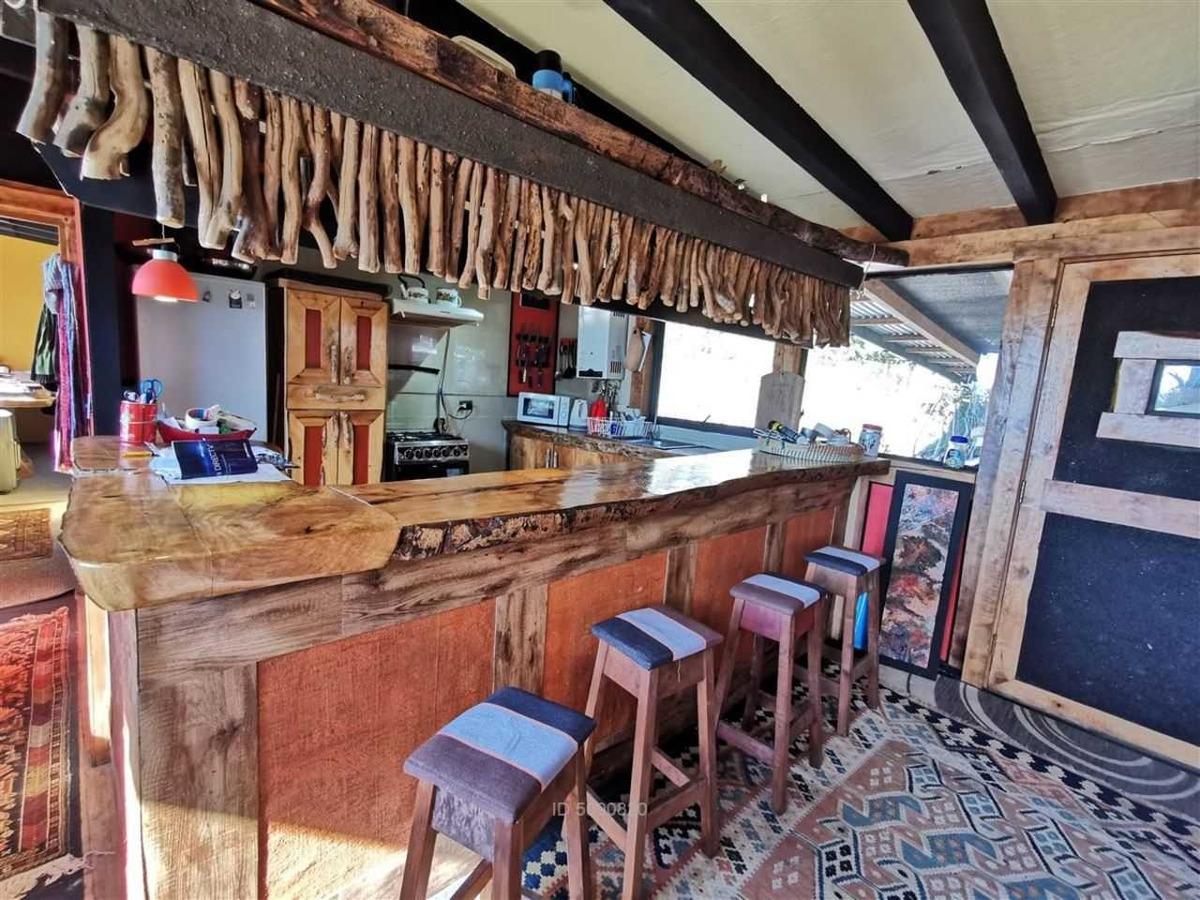 casa con restaurante - camino al volcán