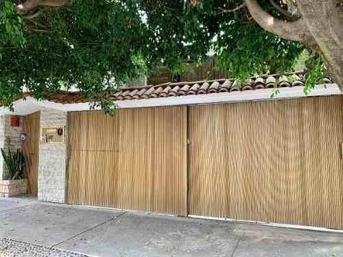 casa con semisótano en calle mozart, col. la estancia