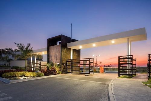 casa con terraza,   frente a la alberca a un excelente preci