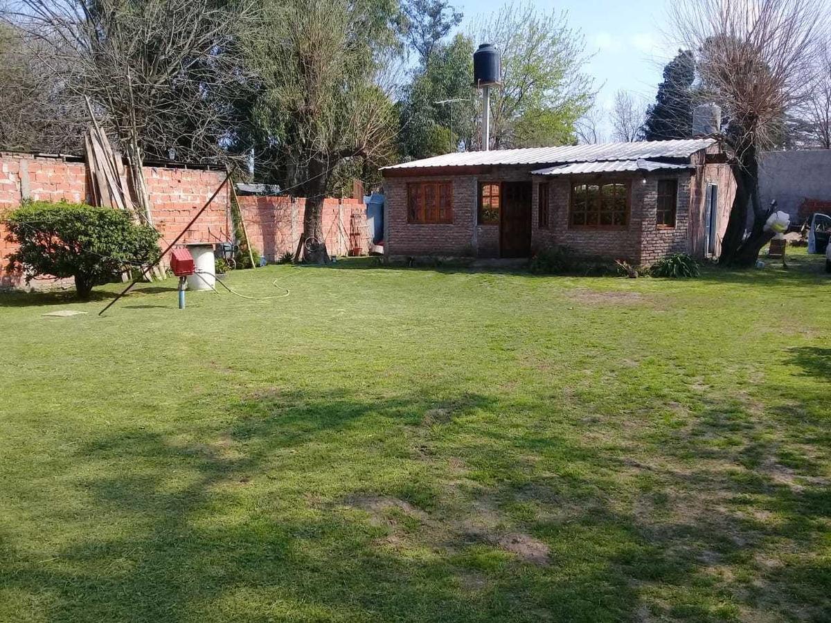 casa con terreno de 20 por 40 jose c paz of 1568