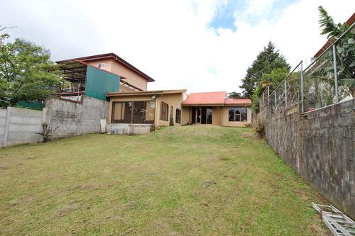 casa con terreno grande san jose de la montaña (nhp-419)