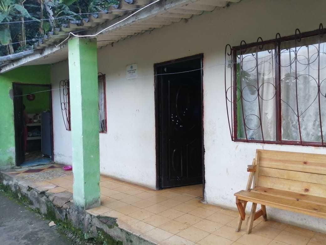 casa con tres habitaciones más terreno con 50 palos de café