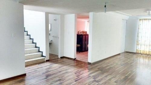 casa con uso de suelo comercial en cimatario