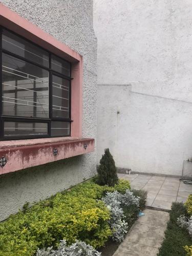 casa con uso de suelo en renta, luz saviñon / del valle centro