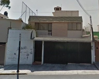 casa con uso de suelo en venta en las aguilas