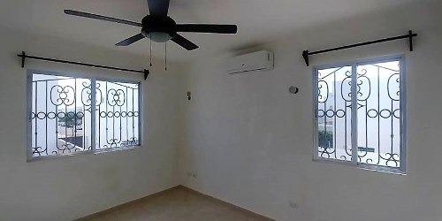 casa  con ventiladores y clima al norte  de  mérida