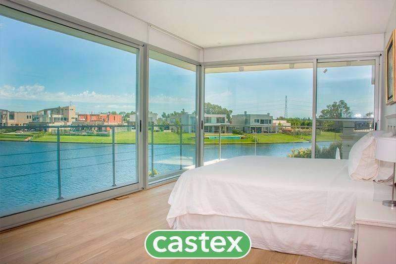 casa con vista al lago en venta en el golf, nordelta