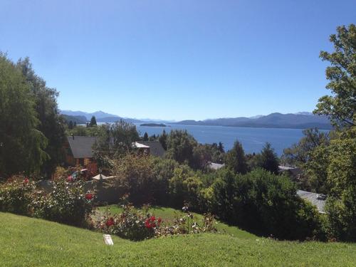 casa con vista al lago y cordillera