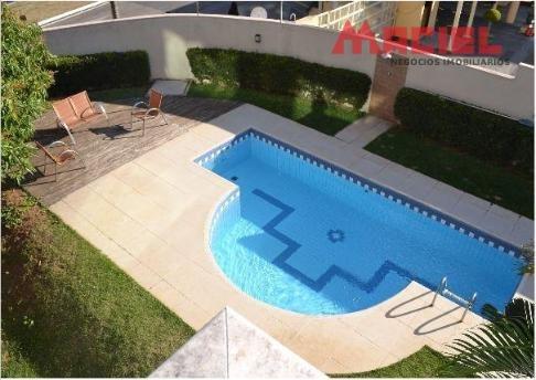 casa - cond fechado - piscina com deck