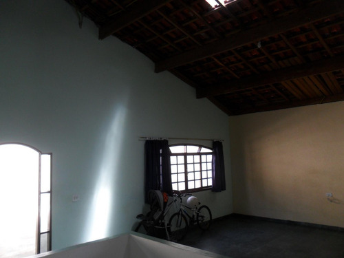 casa-condomínio fechado-acesso para represa