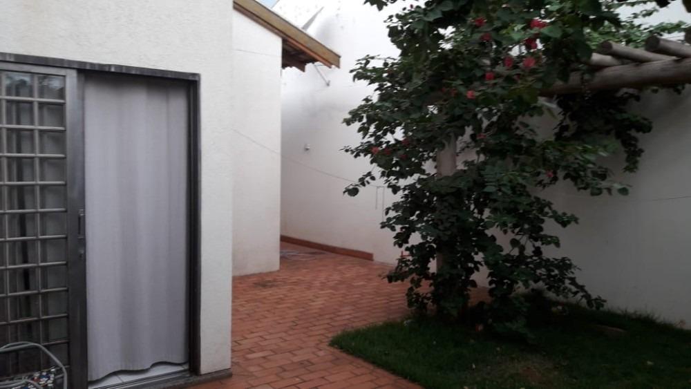 casa condomínio fechado perto da lagoa itatiaia