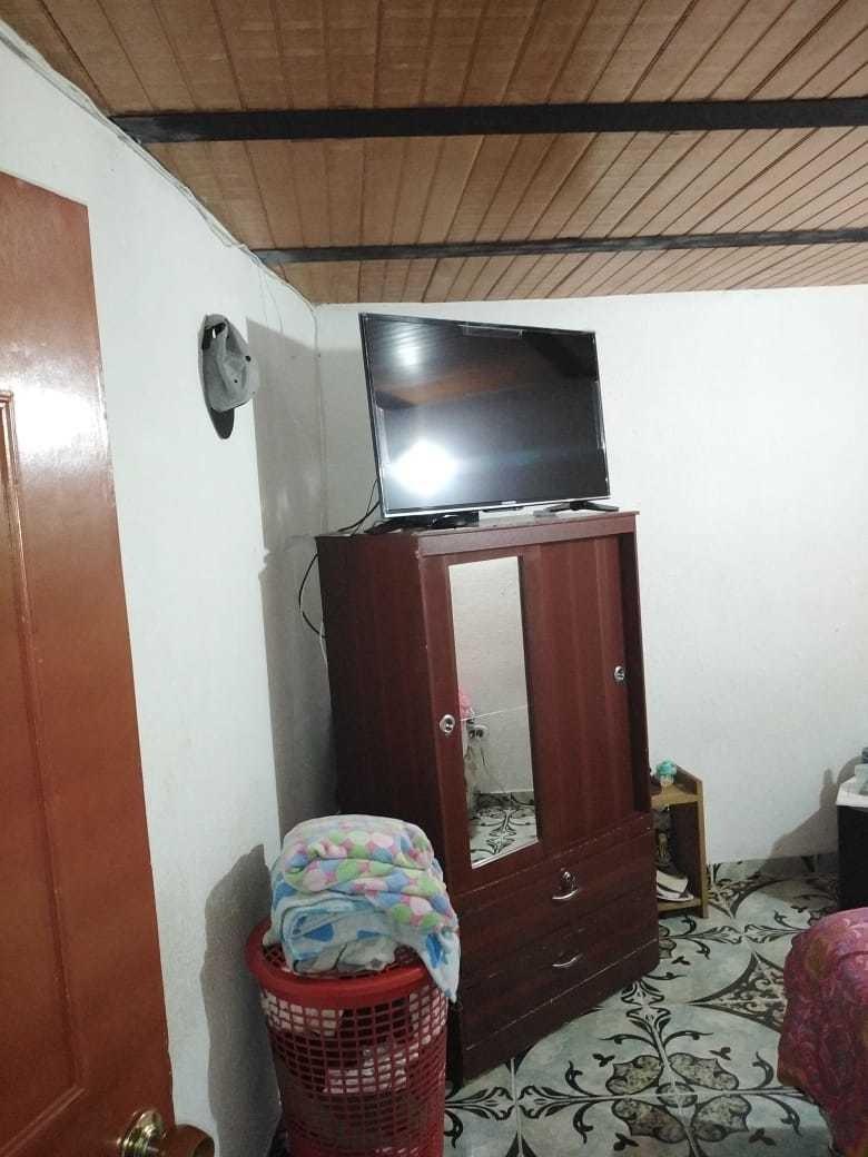 casa conformada de 4 pisos