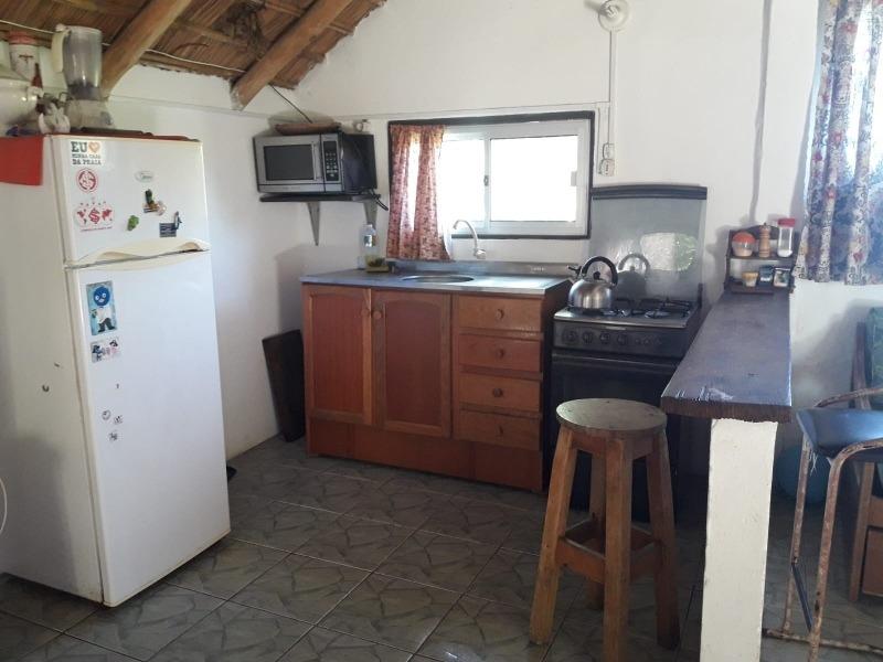 casa confortable a 1 cuadra y media de la playa.