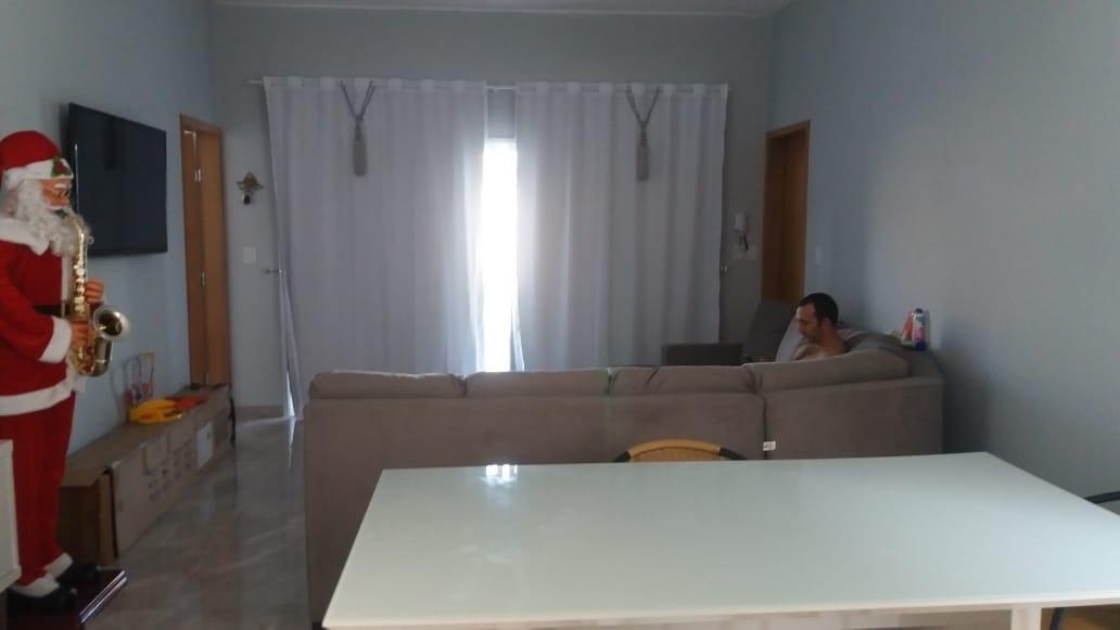 casa confortável, com amplo terreno- perto do shopping serramar - 39