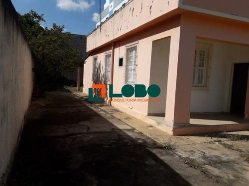 casa construída em terreno 12x30, conservada.   - 406