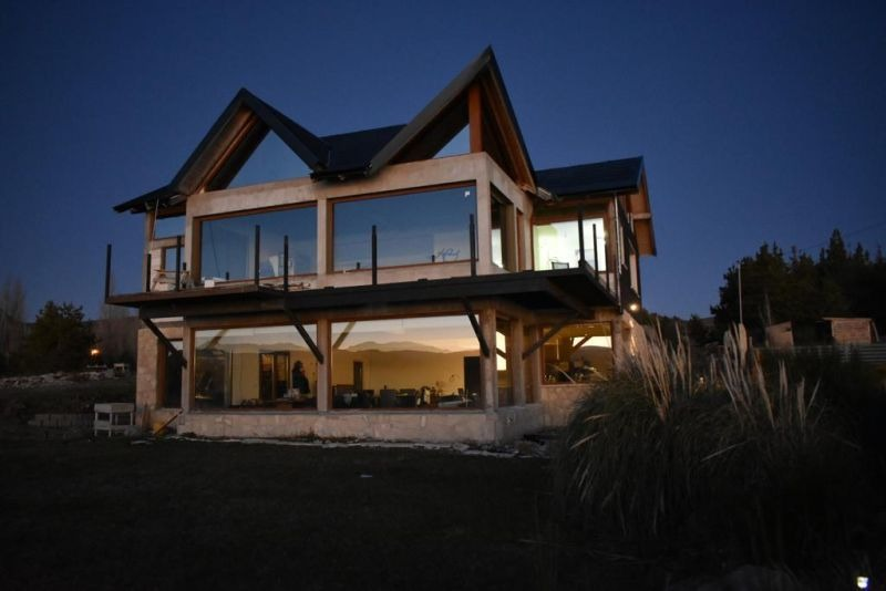 casa costa de lago desembocadura rio limay, bariloche
