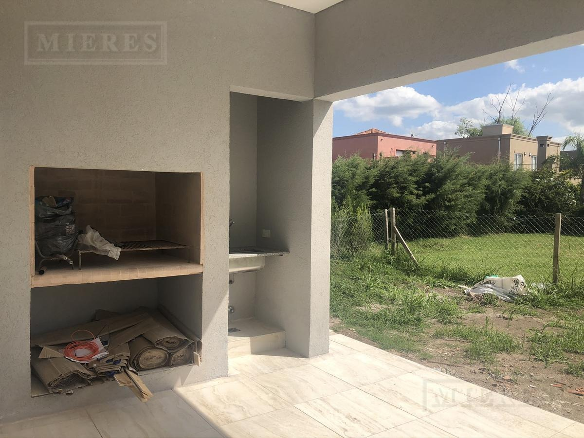 casa de 187 mts en  la cañada de pilar los robles