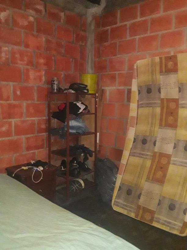 casa de 2 abitasiones, 1 garaje, 1 baño, cosina,salacomedor