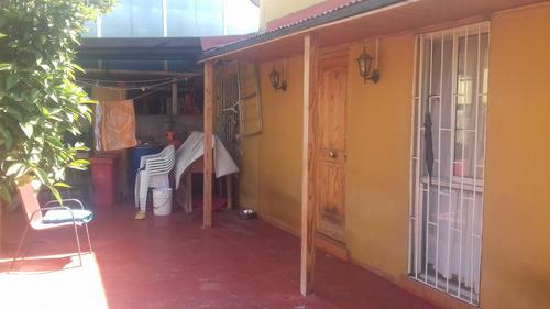 casa de 2 ambientes, 2 dormitorios y un baño