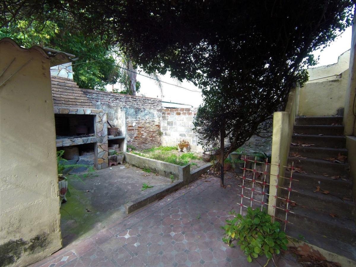 casa de 2 dormitorios con patio y garage